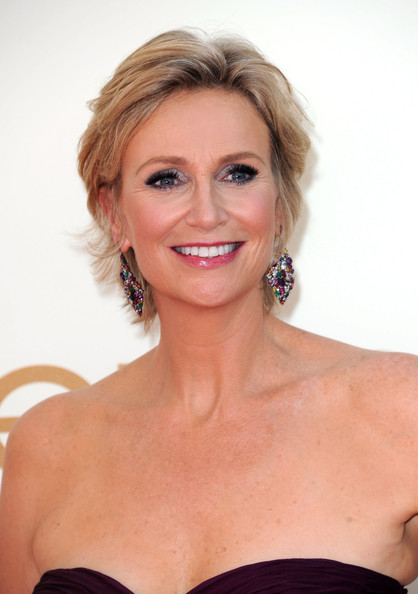 emmy host jane lynch arrives at the 63rd annual primetime emmy awards held