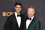 Justin Mikita and Jesse Tyler Ferguson - The Cutest Couples at the 2017 Emmy Awards