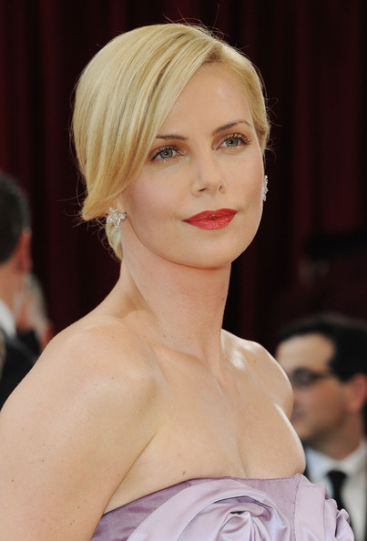 Below are several of our favorite hairstyles from the 2010 Academy Awards.