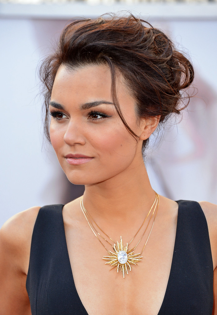 Samantha Barks Nude Photos 9