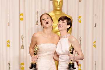 The Wackiest Photos from the Oscars 2013 Press Room