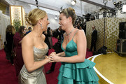 (L-R) Scarlett Johansson and Florence Pugh attends the 92nd Annual Academy Awards at Hollywood and Highland on February 09, 2020 in Hollywood, California.