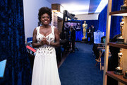 LOS ANGELES, CALIFORNIA – APRIL 25: (EDITORIAL USE ONLY) In this handout photo provided by A.M.P.A.S., Viola Davis poses backstage during the 93rd Annual Academy Awards at Union Station on April 25, 2021 in Los Angeles, California.