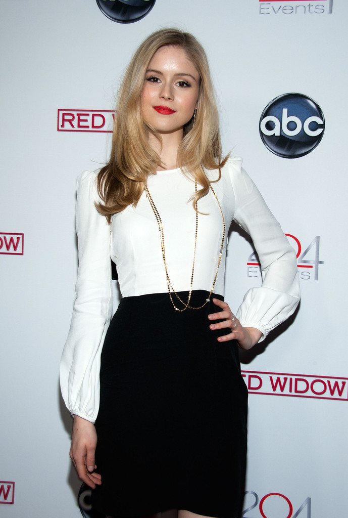 Erin Moriarty Photos Photos Abc S Quot Red Widow Quot Red Carpet