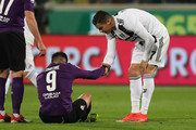 Cristiano Ronaldo of Juventus and Giovanni Simeone of ACF Fiorentina during the Serie A match between ACF Fiorentina and Juventus at Stadio Artemio Franchi on December 1, 2018 in Florence, Italy.