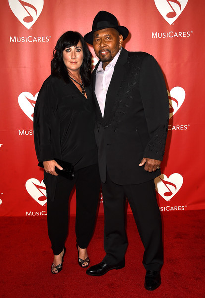 Aaron Neville with cool, Wife Sarah Ann Friedman