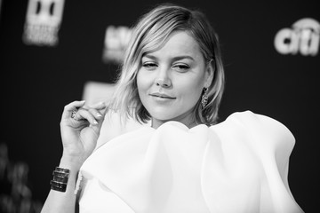 Abbie Cornish Premiere Of Warner Bros. Pictures' 'A Star Is Born' - Red Carpet
