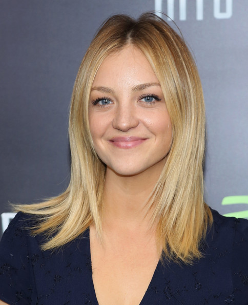 Abby Elliott Pictures Star Trek Into Darkness