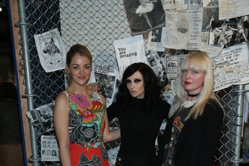 Abby Elliott Alice + Olivia By Stacey Bendet- Presentation - Fall 2016 New York Fashion Week: The Shows