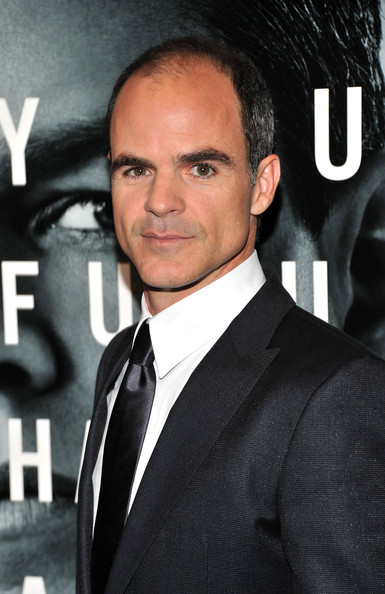 The 48-year old son of father (?) and mother(?), 180 cm tall Michael Kelly in 2017 photo