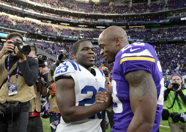 Adrian Peterson Photos - 303 of 1609