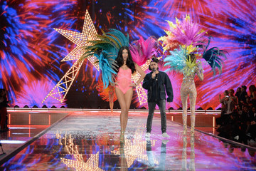 Adriana Lima Victoria's Secret Fashion Show 2015