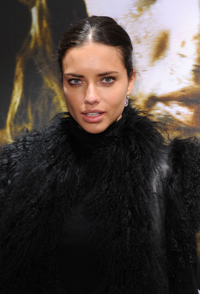 http://www3.pictures.zimbio.com/gi/Adriana+Lima+Nomad+Two+Worlds+Russell+James+NDiMLrHQOA4l.jpg