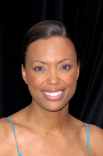 ... tall is aisha tyler