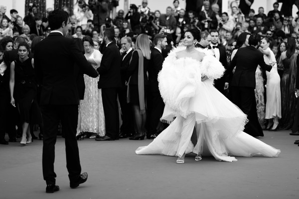 Alternative View - The 72nd Annual Cannes Film Festival [image,film,photograph,white,people,black-and-white,monochrome photography,monochrome,dress,event,gown,snapshot,aishwarya rai,alternative view,indian,la belle epoque,cannes,france,annual cannes film festival,screening]