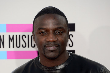 Akon Arrivals at the American Music Awards — Part 3