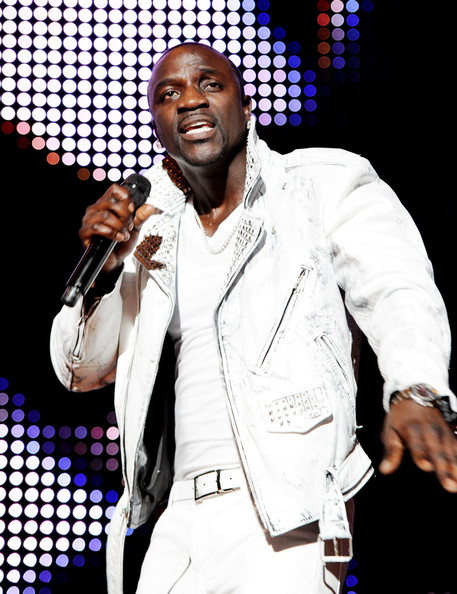 http://www3.pictures.zimbio.com/gi/Akon+Usher+Akon+Perform+Staples+Center+0t-69Wf_l_tl.jpg