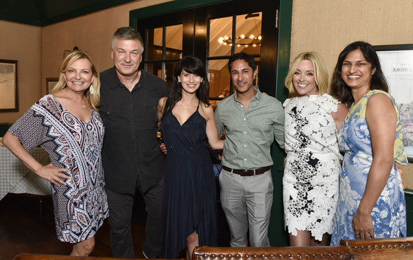 Hamptons Magazine Celebrates With Cover Star Jane Krakowski [jane krakowski,hamptons magazine celebration with cover star,alec baldwin,debra halpert,soma pancholy,maulik pancholy,hilaria baldwin,event,social group,fashion,dress,lunch,team,family,new york,sag harbor,cove]