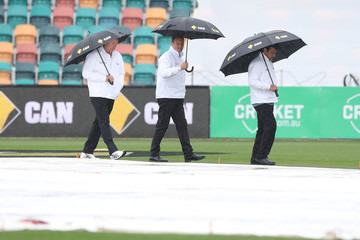 Aleem Dar Australia v South Africa - 2nd Test: Day 2
