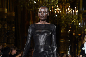 Alek Wek Balmain : Runway - Paris  Fashion Week Womenswear Spring/Summer 2018