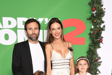 Alessandra Ambrosio Jamie Mazur Premiere of Paramount Pictures' 'Daddy's Home 2' - Red Carpet