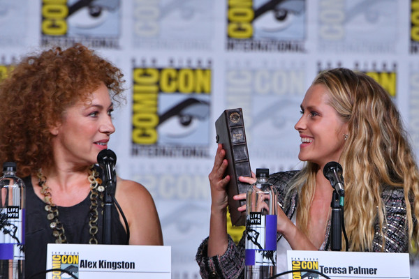 Comic-Con International 2018 - SYFY WIRE Hosts The Great Debate [yellow,fiction,comics,event,long hair,publication,musician,world,singing,news conference,alex kingston,teresa palmer,san diego convention center,california,panel,syfy wire,l,comic-con international 2018 - syfy wire hosts the great debate,the great debate]