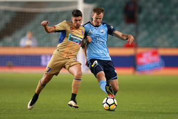 Alex Wilkinson A-League Rd 7 - Sydney v Newcastle