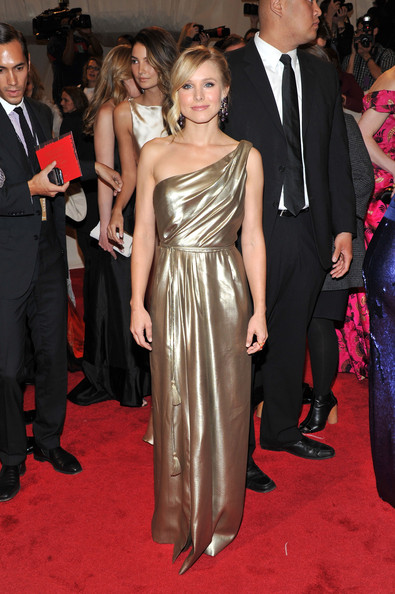 """Actress Kristen Bell attends the """"Alexander McQueen: Savage Beauty"""" Costume Institute Gala at The Metropolitan Museum of Art on May 2, 2011 in New York City."""