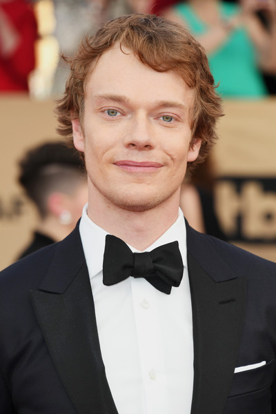 Alfie Allen Nude Photos 41