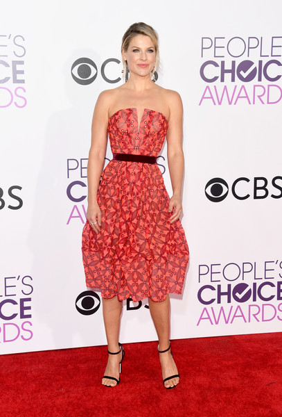 People's Choice Awards 2017 - Arrivals [fashion model,flooring,dress,cocktail dress,carpet,catwalk,shoulder,fashion,gown,red carpet,peoples choice awards,microsoft theater,los angeles,california,ali larter,arrivals]