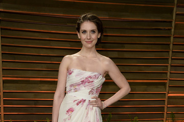 Alison Brie Stars at the Vanity Fair Oscar Party