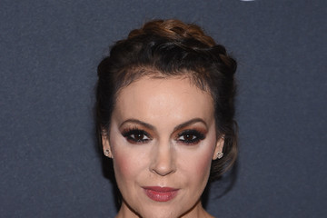 Alyssa Milano The Weinstein Company's Pre-Oscar Dinner in partnership with Bvlgari and Grey Goose