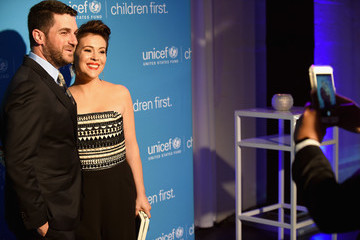 Alyssa Milano Children First. An Evening With Unicef Honor Alyssa Milano, Pier 1 Imports' And Sterling McDavid