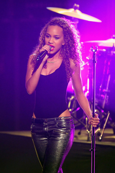 date amanda reifer from cover drive wearecoverdrive