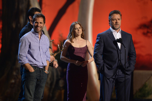 Spike TV's 'Guys Choice' Show [event,yellow,performance,suit,performing arts,formal wear,conversation,stage,zack snyder,actors,amy adams,henry cavill,russell crowe,l-r,spike tv,sony pictures studios,guys choice 2013,show]