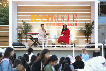 Amy Astley The Teen Vogue Summit Los Angeles 2018 - On Stage Conversations And Atmosphere