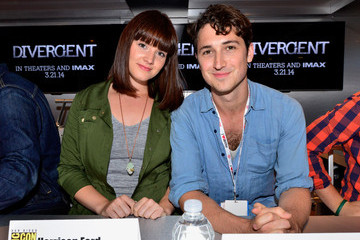 Amy Newbold 'Divergent' Cast Hangs Out at Comic-Con