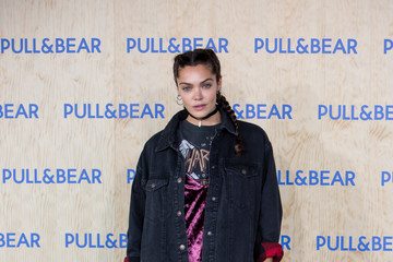 Ana Rujas Brooklyn Beckham Inaugurates Pull&Bear Eco-Friendly Headquarters in Spain