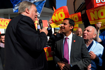 Anas Sarwar John Prescott and Alistair Darling Join The Scottish Labour Battle Bus