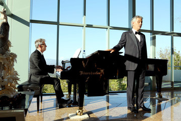 Andrea Bocelli David Foster Alfred Mann Foundation's an Evening Under the Stars With Andrea Bocelli