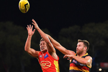 Andy Otten AFL Rd 6 - Adelaide vs. Gold Coast