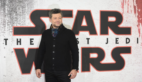 http://www3.pictures.zimbio.com/gi/Andy+Serkis+Star+Wars+Last+Jedi+Photocall+1dcCQ4tpK66l.jpg