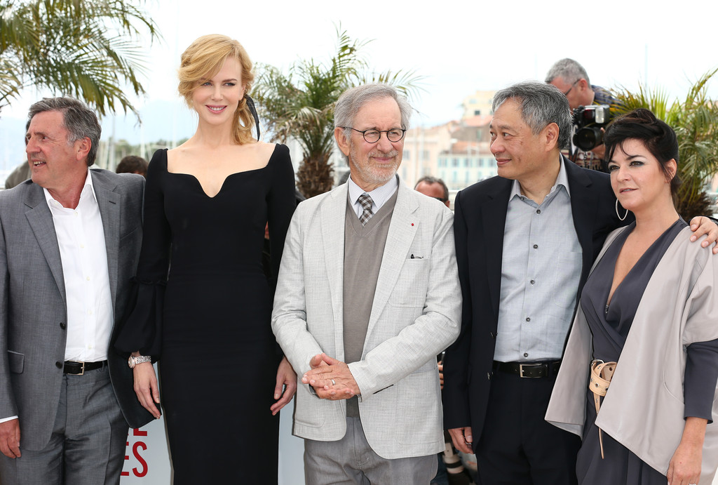 http://www3.pictures.zimbio.com/gi/Ang+Lee+Daniel+Auteuil+Jury+Photo+Call+Cannes+a3ixaYkpMVZx.jpg