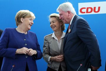Angela Merkel Volker Bouffier Political Parties React To Bavarian State Elections Results
