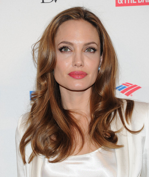 http://www3.pictures.zimbio.com/gi/Angelina+Jolie+3rd+Annual+Women+World+Summit+7i4yPzGTlkfl.jpg