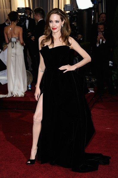 Angelina+Jolie+84th+Annual+Academy+Awards+sbfcyhbb-mXl.jpg