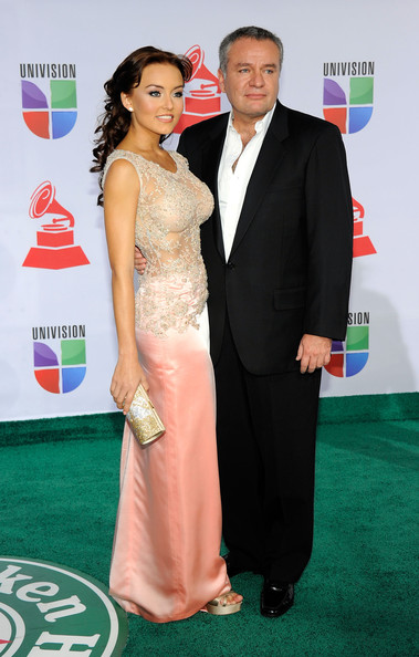 http://www3.pictures.zimbio.com/gi/Angelique+Boyer+12th+Annual+Latin+GRAMMY+Awards+NlnnTF6NKIil.jpg