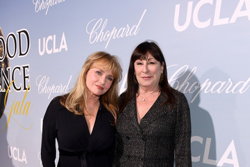 Anjelica Huston UCLA IoES Honors Barbra Streisand And Gisele Bundchen At The 2019 Hollywood For Science Gala