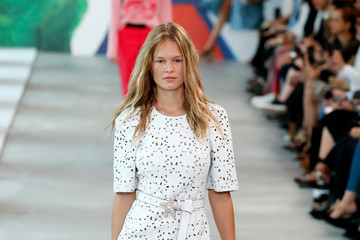 Anna Ewers Michael Kors Collection Spring 2019 Runway Show