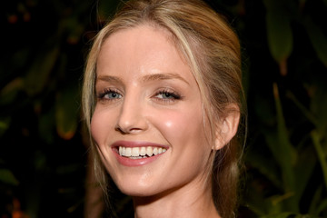 Annabelle Wallis 23rd Annual ELLE Women In Hollywood Awards - Roaming Inside